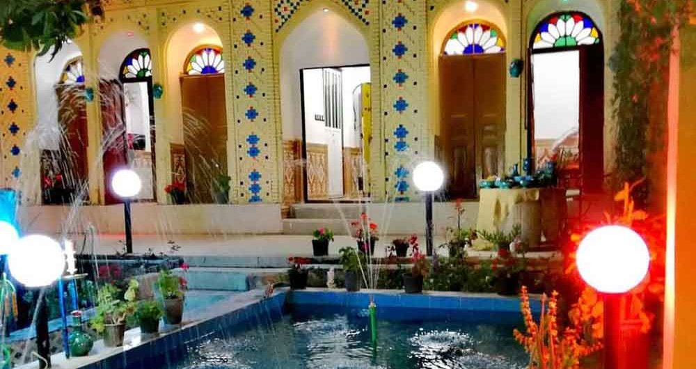 Nayeb Jahrom Accommodation traditional House2